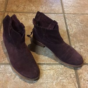 Suede booties Johnston and Murphy 7 gently worn